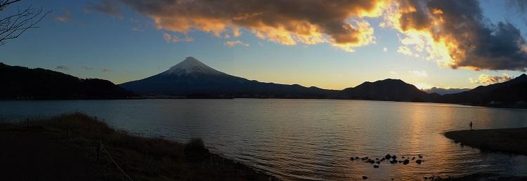 Am Fuji san auf das richtige Licht für das perfekte Foto warten.