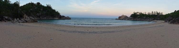 142 Grad Blickwinkel einer Bucht.