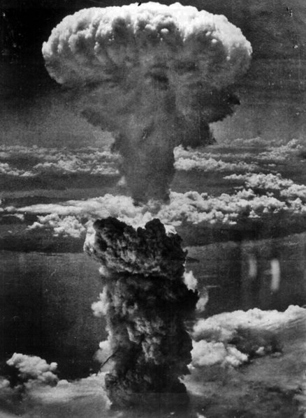 """""""Wir wetteifern um das gute in bösen Kriegen"""" (Mutabor) (Bild aus dem Äther: Hiroshima)"""
